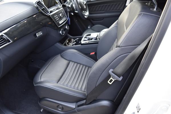 ベンツGLE350dスポーツの助手席シートデザイン