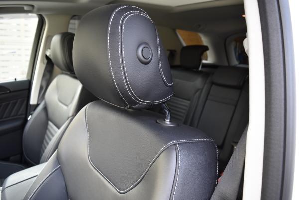 ベンツGLE350dスポーツの助手席シート表皮