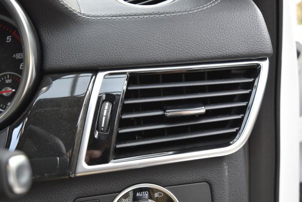 ベンツGLE350dスポーツの運転席側のエアコン吹き出し口