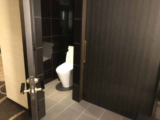 エクシブ湯河原スーパースイートのトイレ