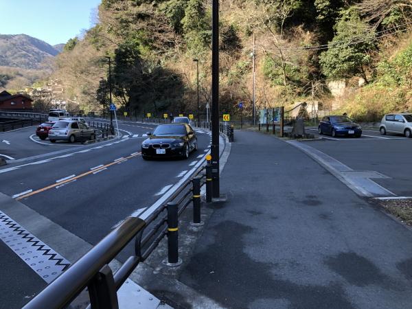 箱根湯本駐車場入り口