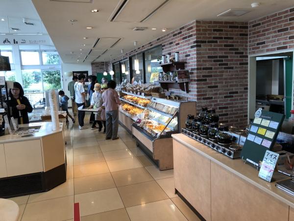 狭山パーキングエリア パンとコーヒー