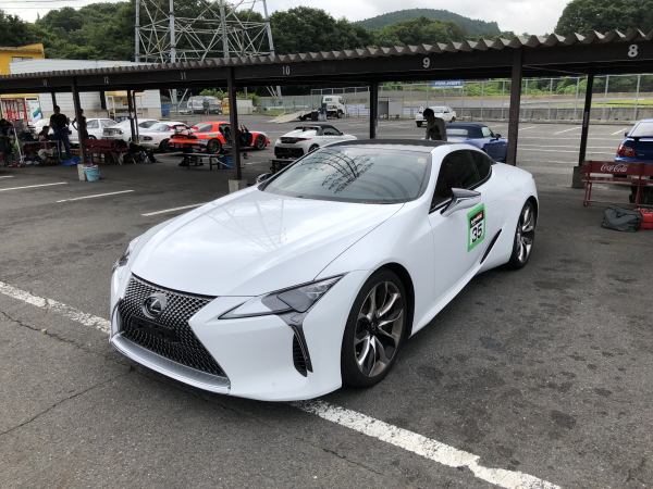 レクサスLCでサーキット走行 LCはサーキットで速いのか?