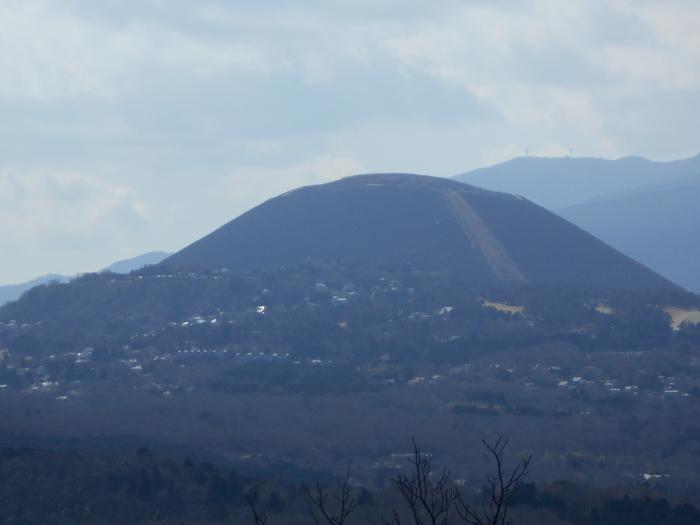 小室山から望む大室山