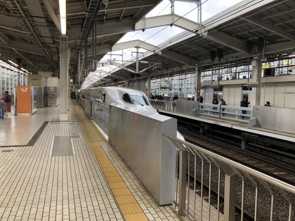 京都駅ホーム 新幹線