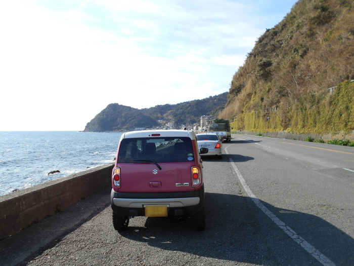 伊豆大川と伊豆北川の中間ほどの地点で海の写真をパチリ!