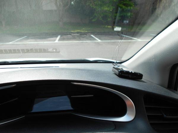 シエンタの運転席からボンネットを確認