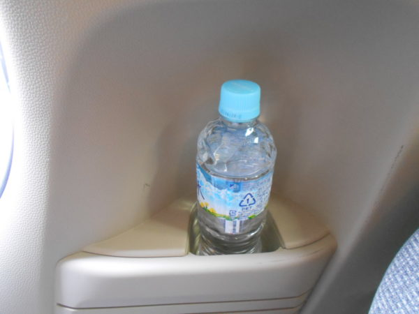 N-BOXの後席用ボトルホルダー