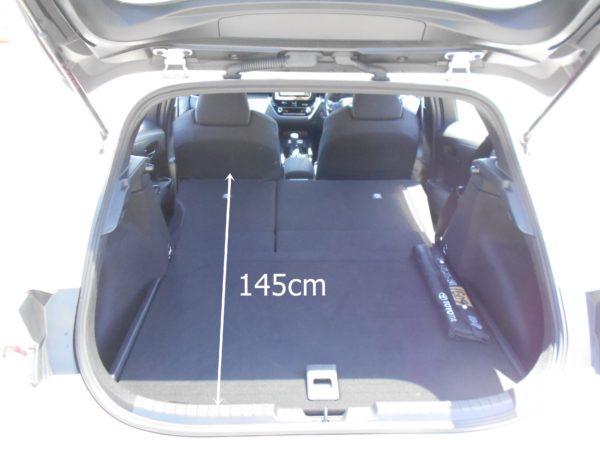 カローラスポーツの後席を折り畳んだ時の荷室寸法