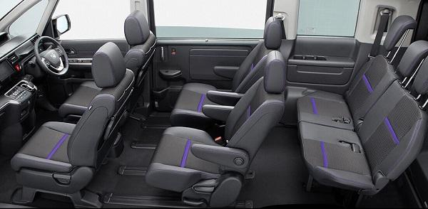 ステップワゴンのブラックスタイルの内装1