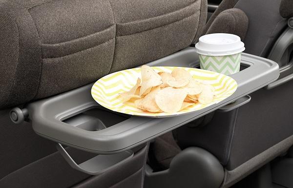 ステップワゴンのシートバックテーブル