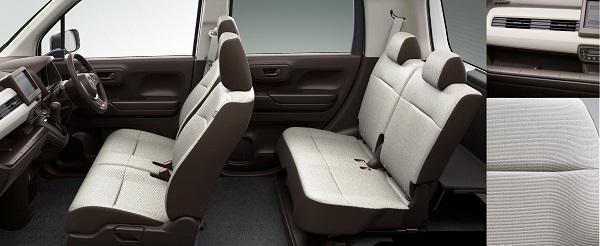 N-WGNのノーマル車の内装