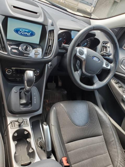 フォード クーガの内装